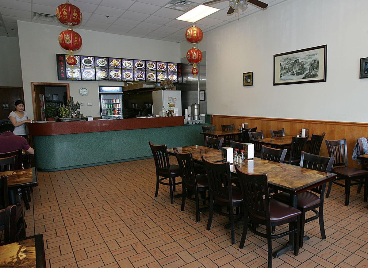Shuang Xi excels by serving what\'s expected | Charleston Scene ...