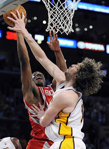 Gasol sparks Lakers to Game 7 triumph