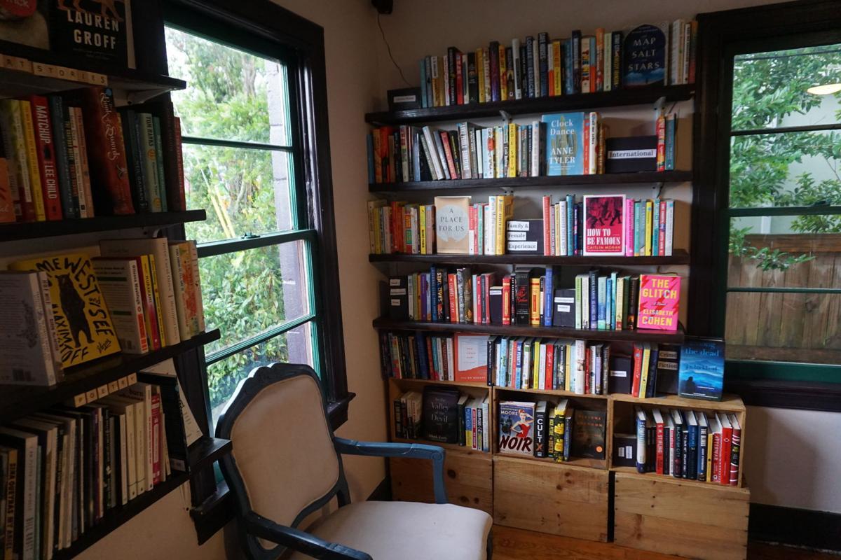 Itinerant Literate interior - front corner