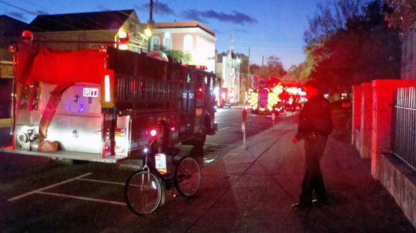 80 elderly residents escape morning apartment blaze
