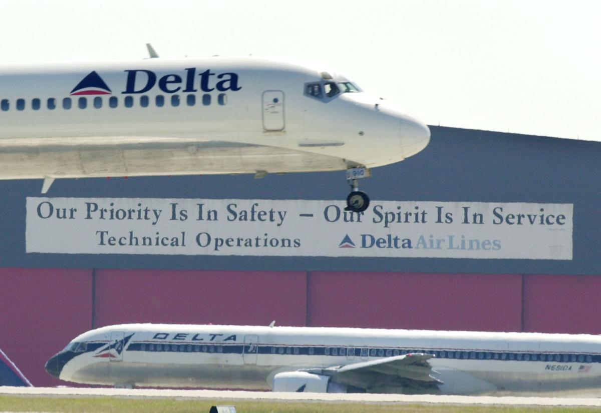 Delta to drop Memphis as hub airport
