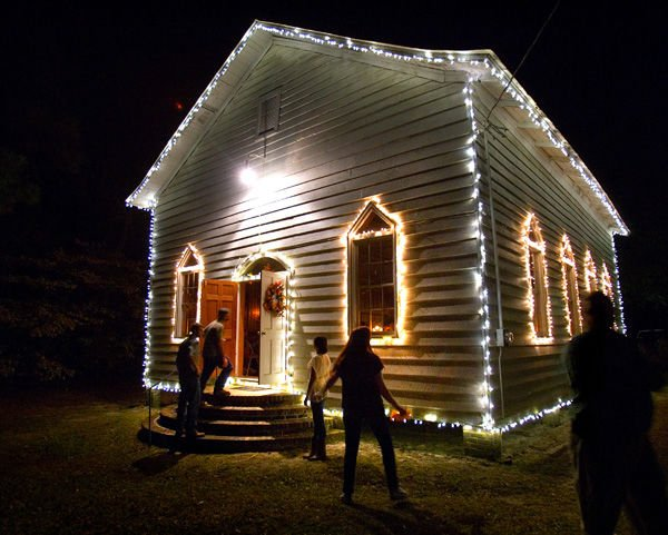 Simple blessings: Thankful hearts gather at old country church