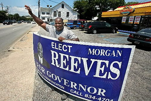 Governor hopeful hits town running