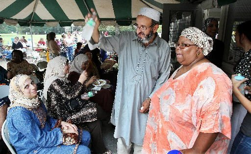 Christians, Muslims embrace peace, pray for 9/11 victims