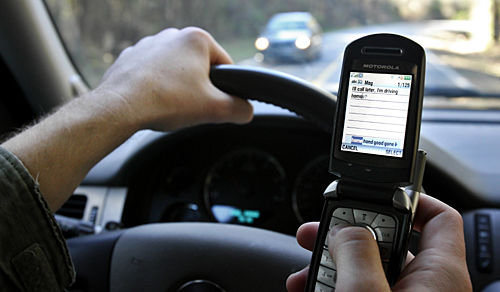 Bill aimed at drivers' calls, texts