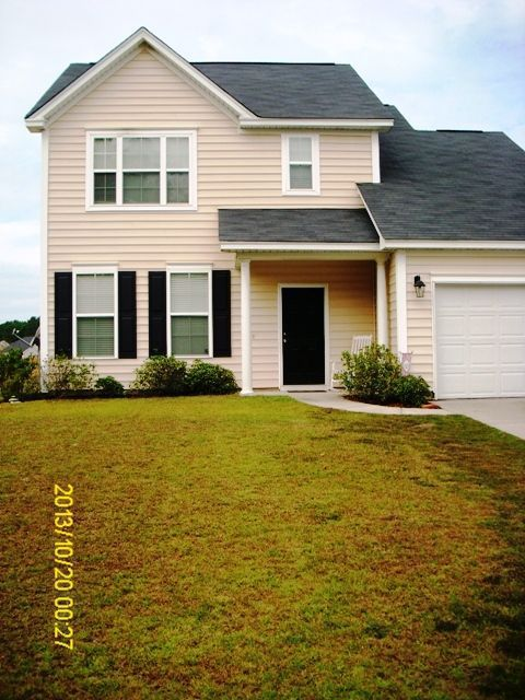 2043 Triple Crown Circle - Solid value, modern looks motivate two-story home in horse-themed Ridgeville neighborhood