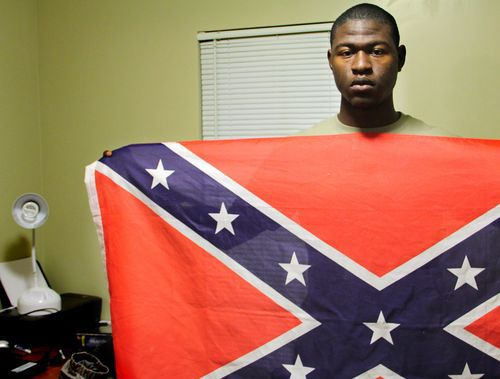 Black student sparks debate with Confederate flag