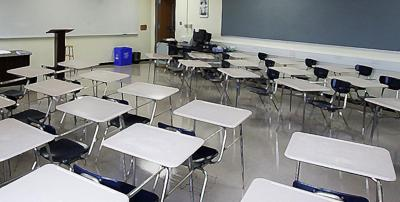 Sanders Clyde School in Charleston dismissing early because of water problem