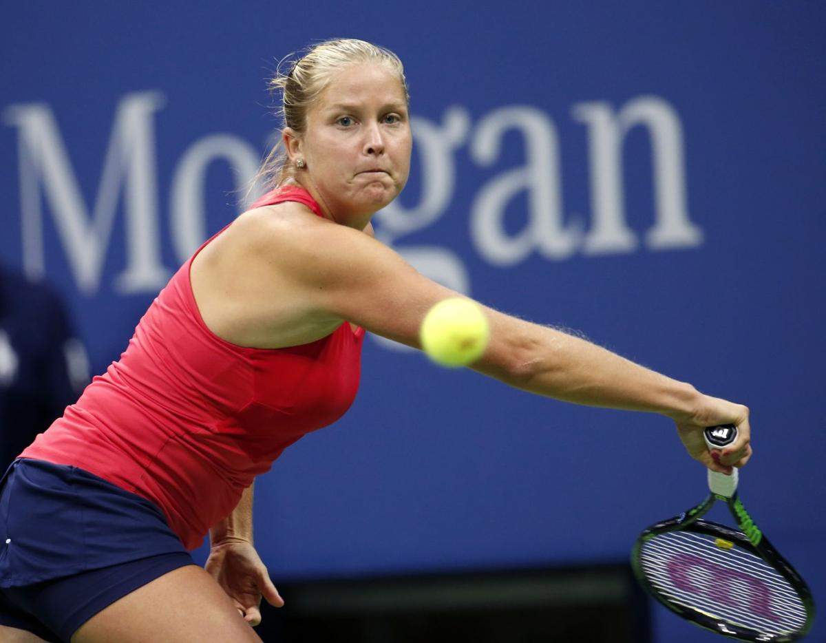 Shelby Rogers falls to second-seeded Halep at U.S. Open