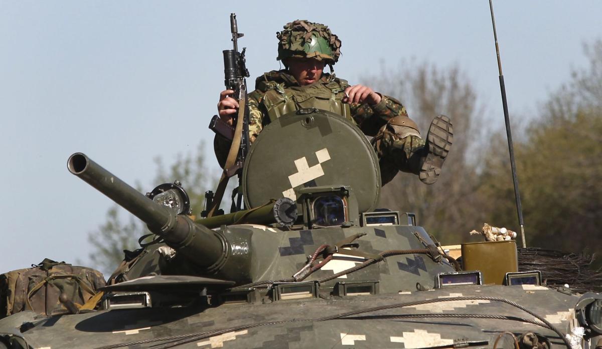 Sanctions loom as observers held in east Ukraine
