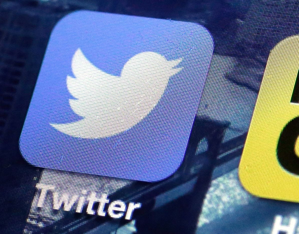 Twitter tweaks its timeline in pursuit of more users