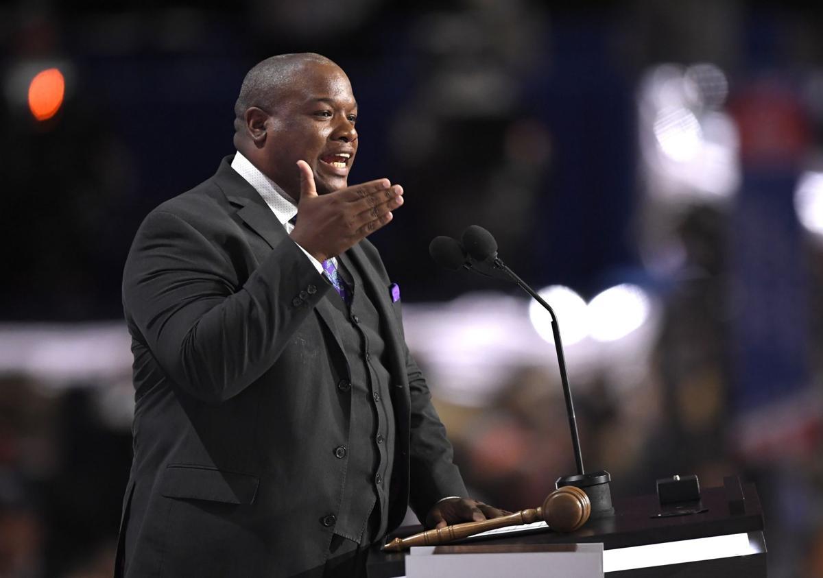 Pastor helps GOP court minorities
