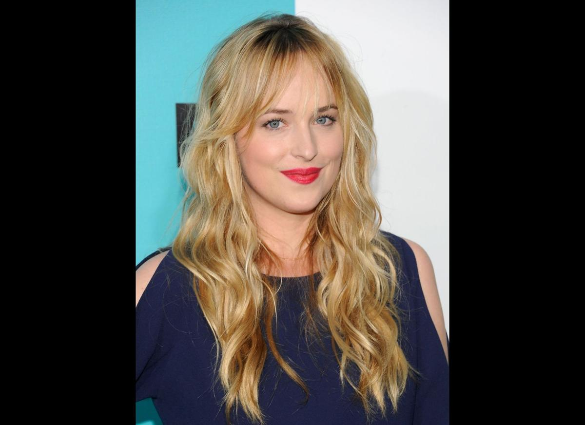 'Fifty Shades of Grey' movie casts Charlie Hunnam and Dakota Johnson as leads