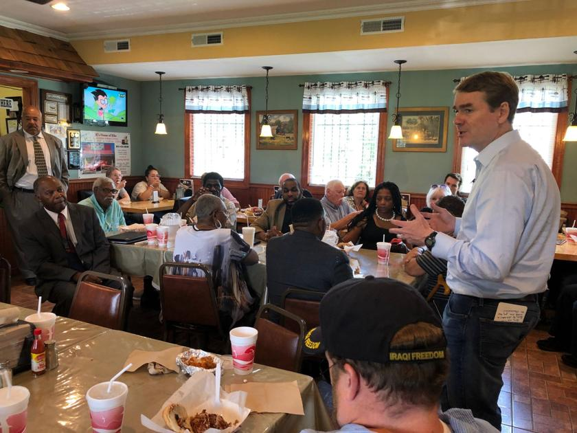 Democratic presidential hopeful Michael Bennet surges in race to eat 16 iconic SC Foods