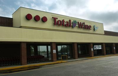Some liquor store owners fear bill They foresee big-box store domination (copy)