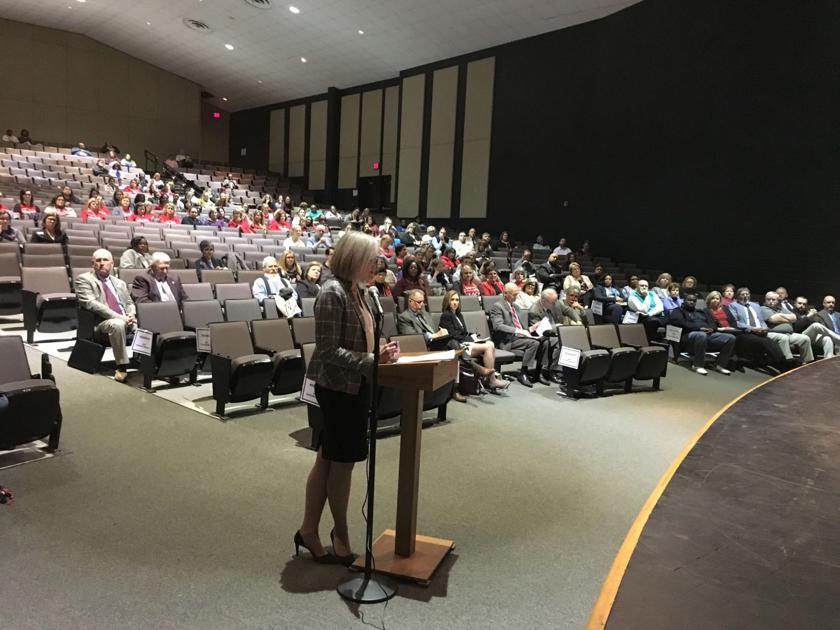 Teachers tell SC senators higher pay, social workers needed at schools