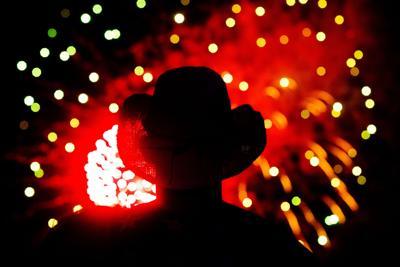 Fireworks PRINT LEDE.JPG (copy)