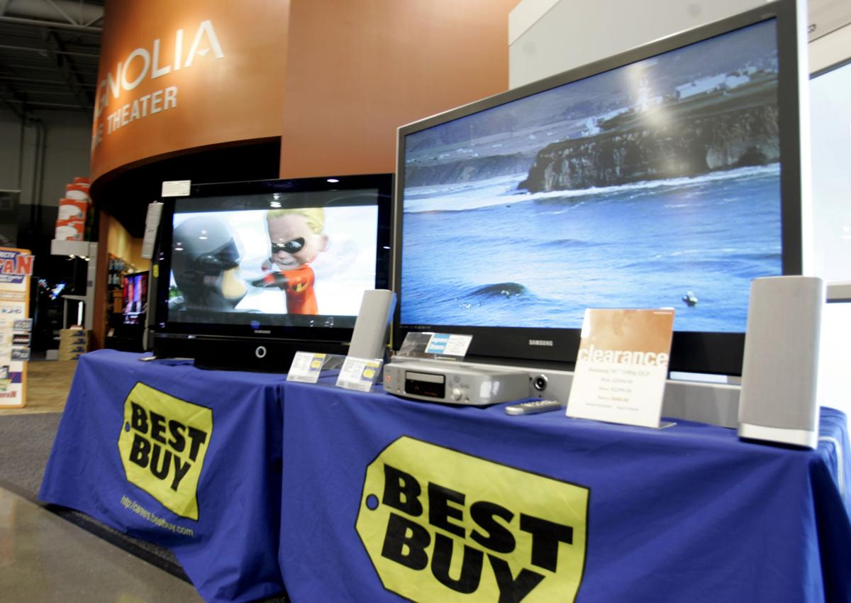 Best Buy's profit falls, adjusted earns tops Street view