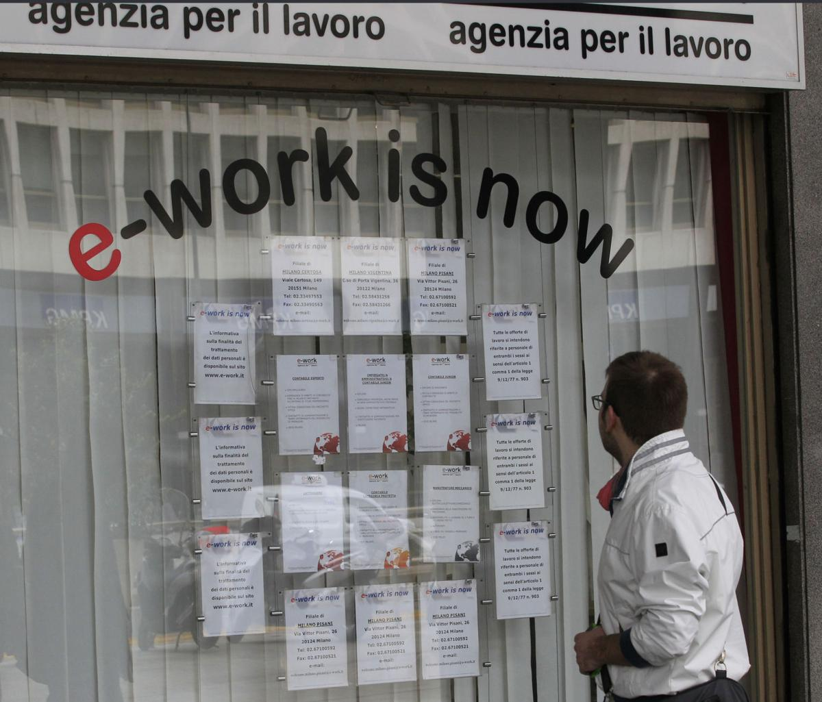 As Europe struggles, young job-seekers suffer most