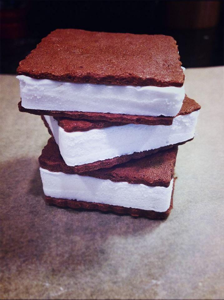 Charleston Farmers Market returns with more bread, new ice cream