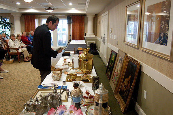 Antique appraisals: Appraiser gives brief opinions on value of items brought to session in Mount Pleasant