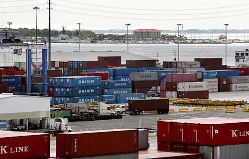 Port's container volume down 16%