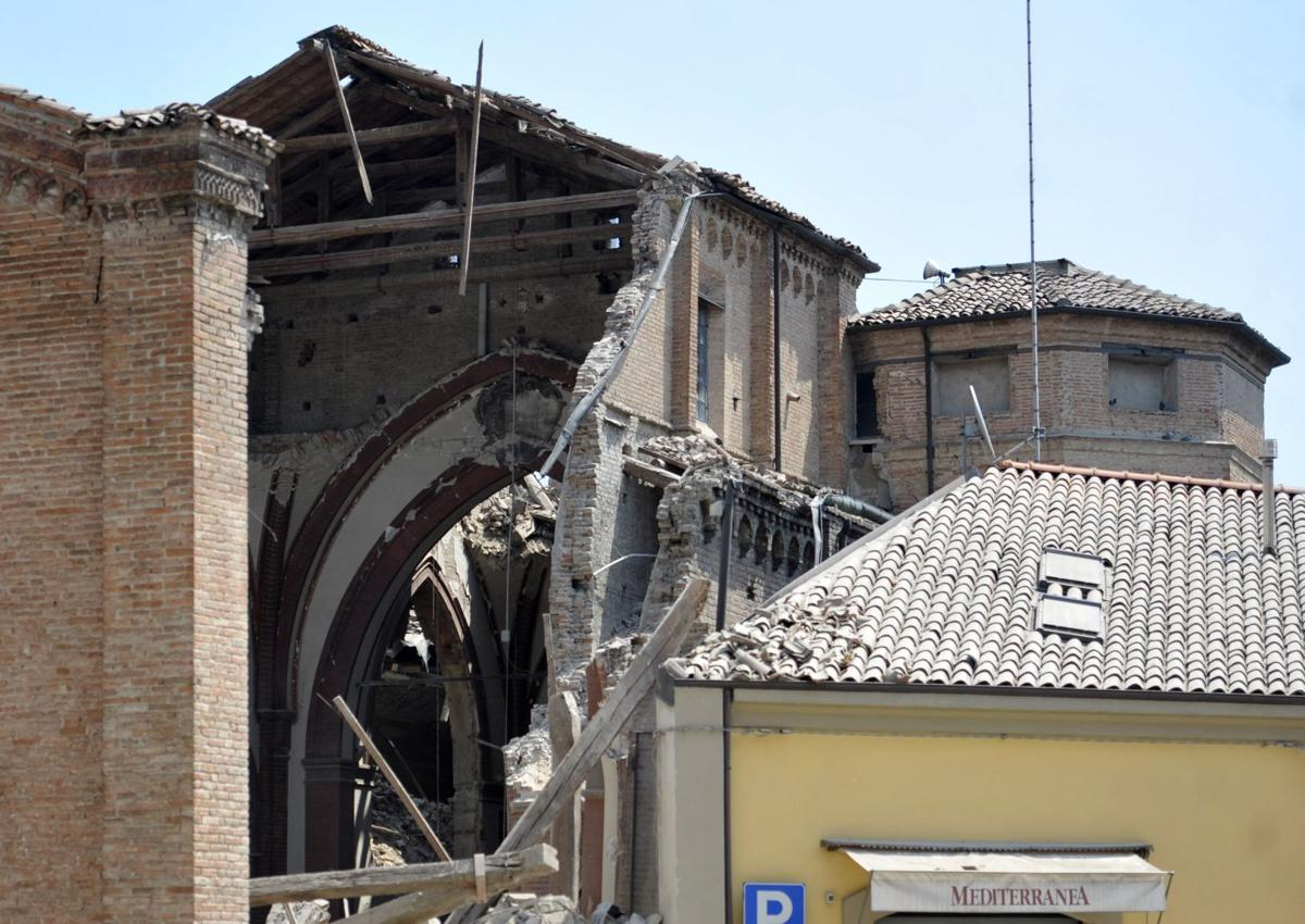 10 reported dead in Italy after 5.8-magnitude quake