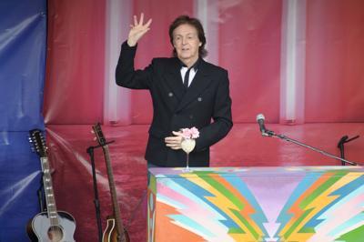 Afternoon delight: McCartney surprises London fans