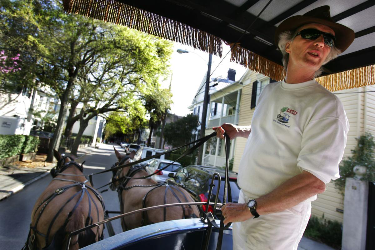 Judge hears Charleston's tour guide licensing case