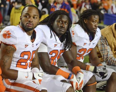 "Clemson players recall ""rude fans,"" hostile environment at Williams-Brice Stadium"