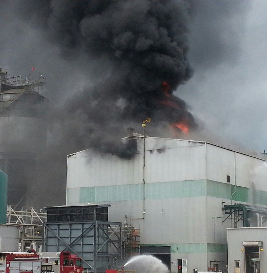 Fire destroys $25M building at BP Amoco in Cainhoy