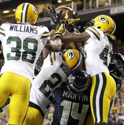 Seahawks beat Packers on disputed final play