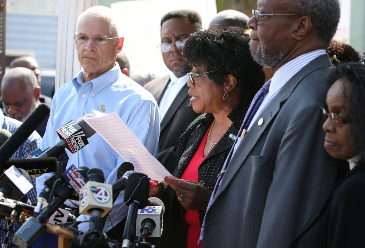 NAACP calls for citizens' review board, widespread use of body cameras following Walter Scott's death