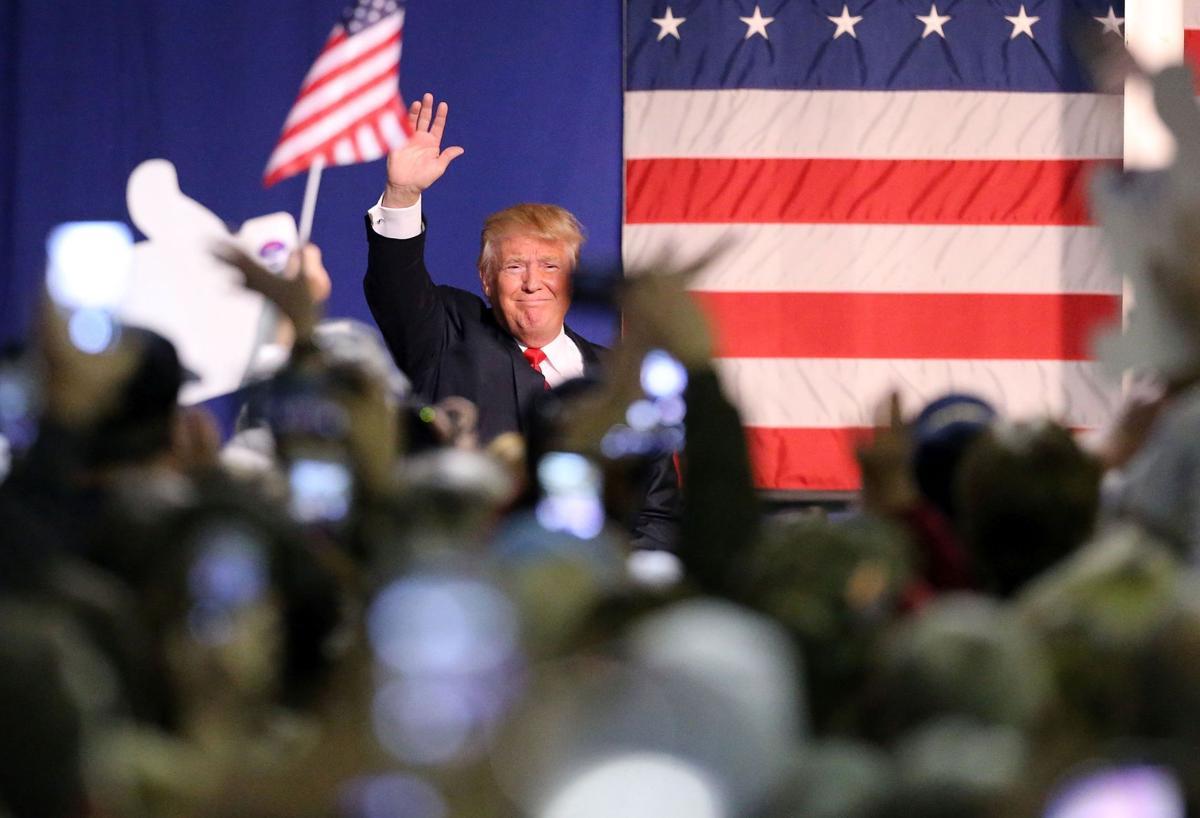 Poll: Donald Trump, Hillary Clinton still ahead in South Carolina