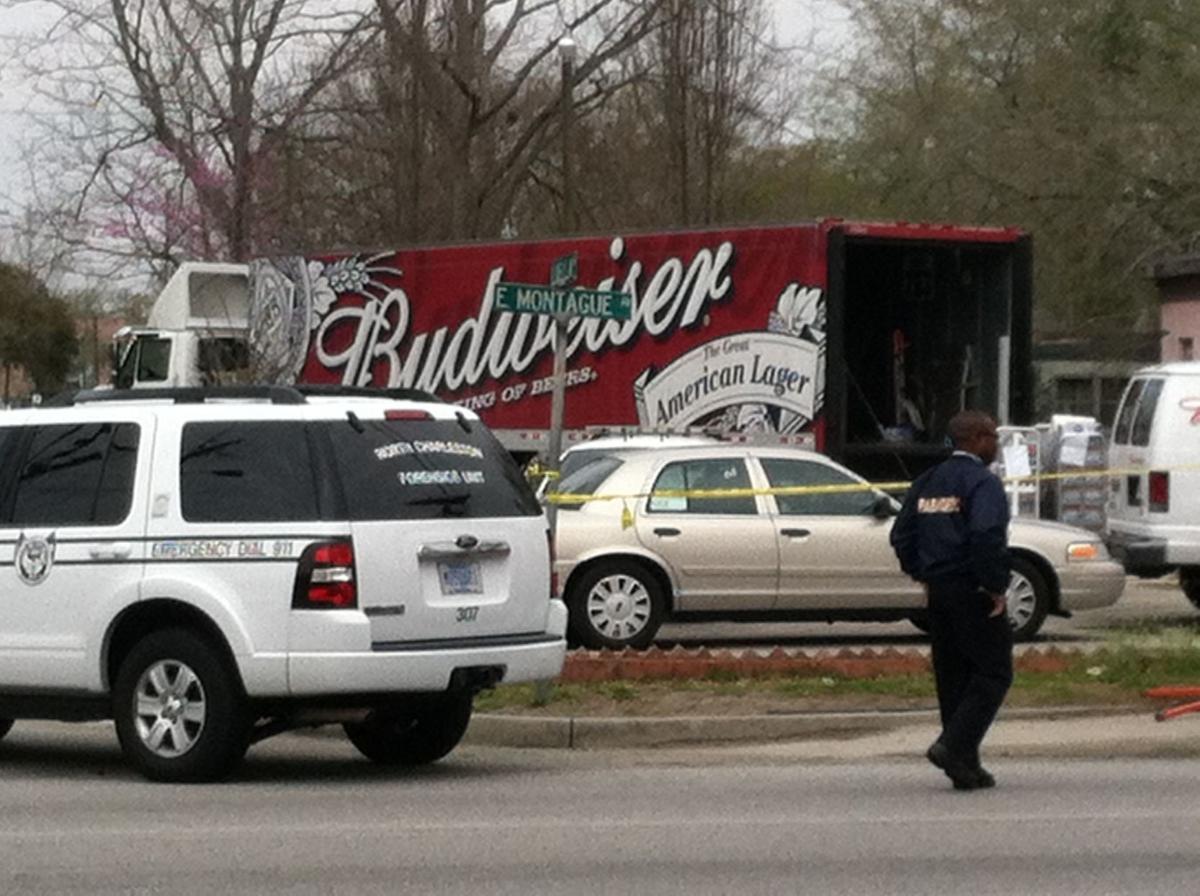 Beer deliveryman shot outside North Charleston store