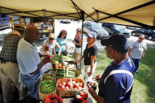 Goose Creek farmers market ends run mid-season; other markets thrive