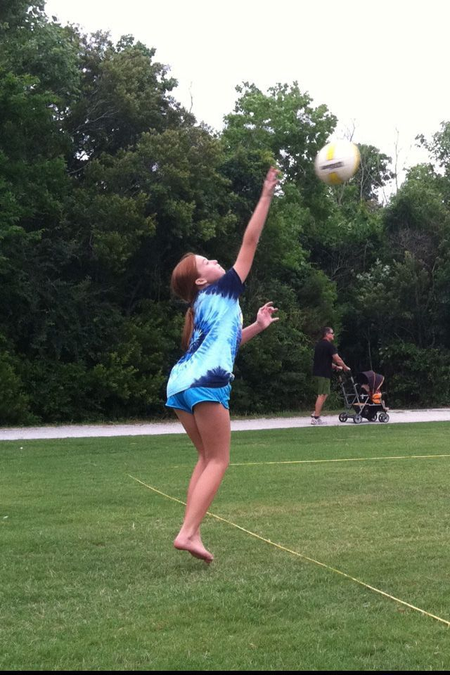 Charleston Grass Rumble volleyball tournament attracts 40 teams