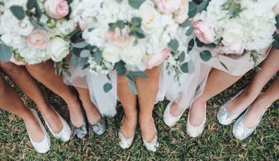 Cinderollies on bridesmaids' feet