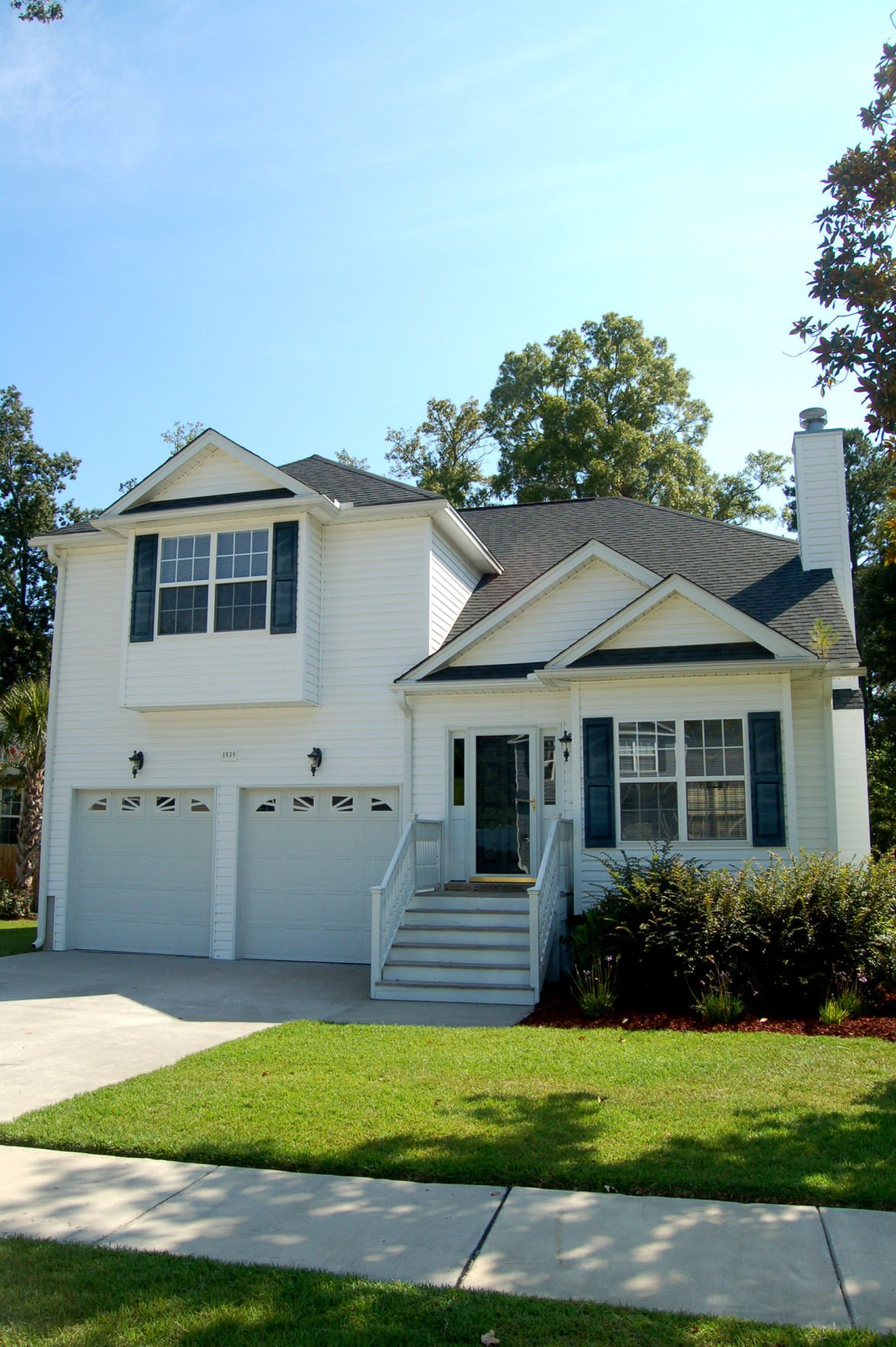 Moderate lease terms, large backyard highlight stylish home on Johns Island