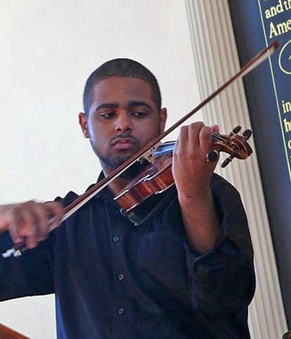 Violin virtuoso in D.C.: School of the Arts student Jordan Elum performs at Kennedy Center