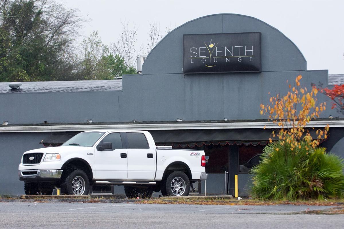 Seventh Lounge, Exterior, Parking Lot