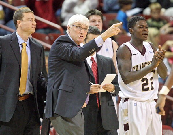 Cougars' Bobby Cremins steps down, takes medical leave of absence