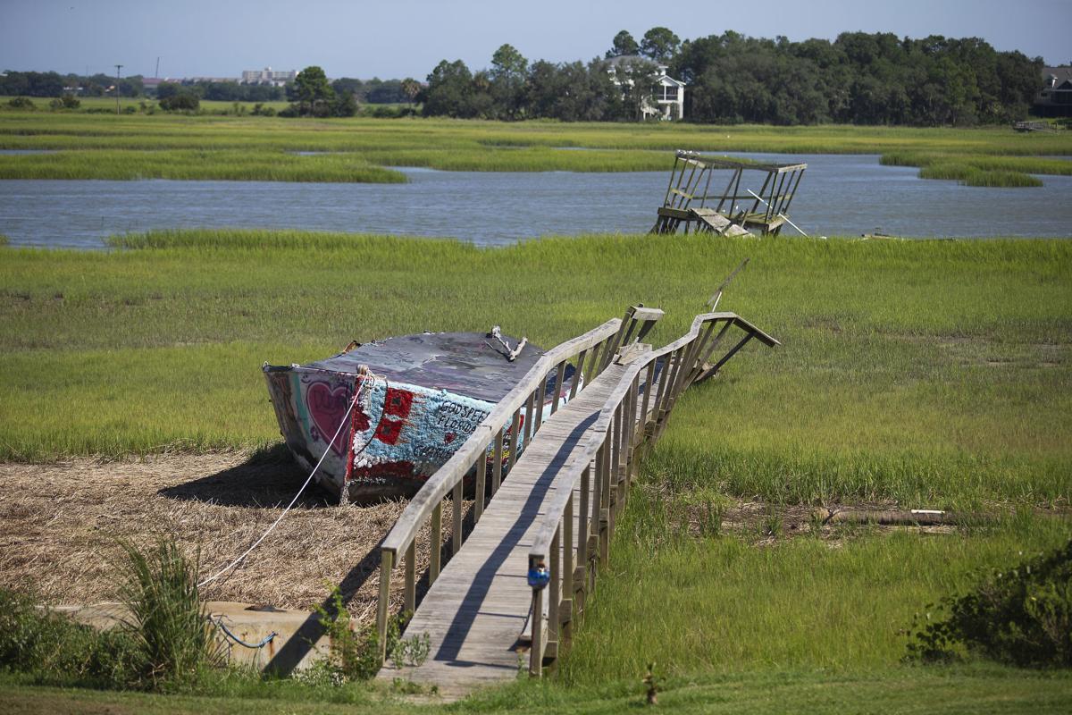 LP Folly Boat 080918 01.jpg