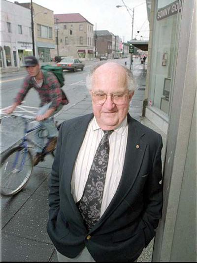 Plaque will remember the King Street Singer