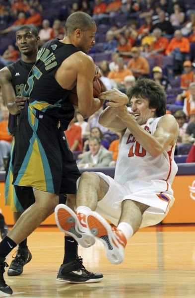 Bulldogs brace for once-beaten Chanticleers