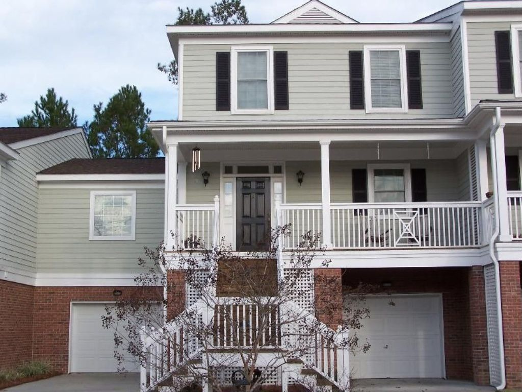5284 7th Green Drive — Fresh-faced townhome at Stono Ferry provides resort-like lifestyle, outdoors appeal just beyond city in Hollywood
