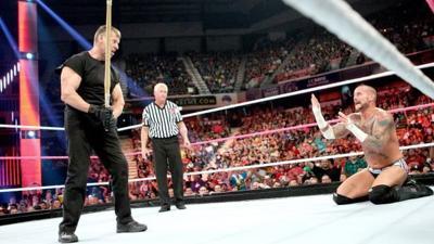 MOONEYHAM COLUMN: Vince McMahon rescues his own show