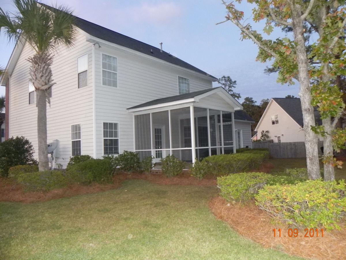 1211 Creekstone Way — Alluring yard, hardwood floors tout modern rental home in Hanahan