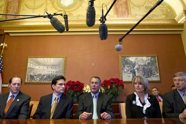 Obama urges Boehner to back stopgap tax deal