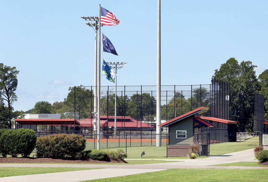 SC town tries to oust kickball ump after mayor yelled at him for calling his adult son out